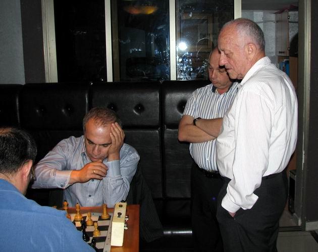 Шахматная партия на свадьбе