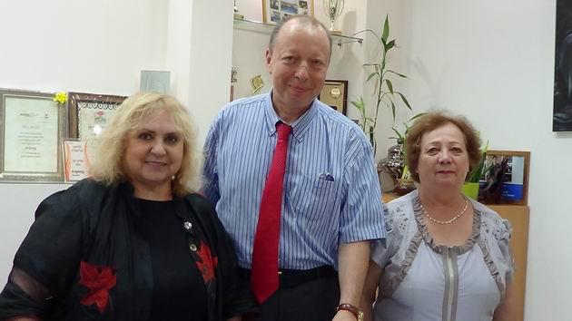 Российский консул в мэрии Кармиэля