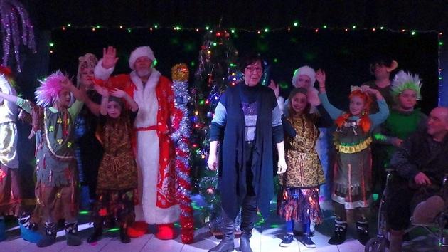 Лесная нечисть против Деда Мороза и Снегурочки