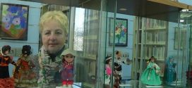 В городской библиотеке можно поиграть в куклы…